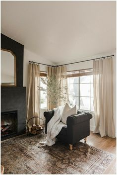 My Living Room, Home And Living, Living Room Decor, Living Spaces, Living Room Drapes, Cozy Living Rooms, Dining Room, Interior Exterior, Home Interior