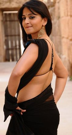 Anushka Latest Photos, Anushka Photos, Anushka Shetty Saree, Plus Size Mini Dresses, Satin Saree, Bollywood Bikini, Actress Anushka, Beautiful Girl Photo, Most Beautiful Indian Actress