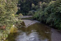 Im Kaitoke Regional Park haben wir den Drehort von Bruchtal / Rivendell – die Stadt der Elben aus den Herr der Ringe-Filmen – besucht. Regional, Park, Film, Outdoor, Middle Earth, New Zealand, City, Places, Viajes