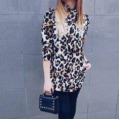 Guten Morgen #instapeople 🙋🏽 die Mitte der Woche ist erreicht ❣wir wünschen euch allen einen angenehmen Tag und hoffen dass sich die Sonne mal wieder blicken lässt 🙈  ____  Good morning!  Weekend is near, so stay motivated and have a nice day.  Isn't this bag a tiny cutie? 🎀❤ ____ #germanblogger #deutscheblogger #blogger_de #modeblogger_de #beautyblogger_de #fashionblogger_de #friendshipgoals #pictureoftheday #bloggerworld #girlsfashion  #bloggercommunity #styleblogger…