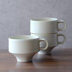 カップホワイト 作家「山本壮平」 Pottery Mugs, Ceramic Pottery, Cup Design, Tea Set, Cement, Pots, Tea Cups, Tableware, Interior
