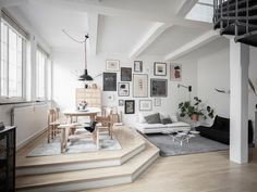 Stilska idila u visokom potkrovlju: stan prepun svjetla i topline - Indizajn s Mirjanom Mikulec Living Room And Dining Room Design, Living Room Designs, Attic Spaces, Small Spaces, Work Spaces, Bedroom Workspace, Teal Home Decor, Gravity Home, Duplex