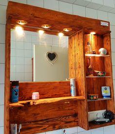 Badschränke - Spiegelschrank aus Europaletten mit Beleuchtung - ein Designerstück von Paletten-Unikate---Moebel-Unikate bei DaWanda
