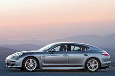 Porsche präsentiert den Panamera, ohne ein Wort über seine weitestgehend unbekannten Vorfahren zu verlieren. AUTO BILD hat die Ahnen des viertürigen Coupés aufgespürt.