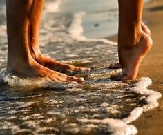 Feet in the ocean/sand :) would be so cute to do with the kids #kimberlingray