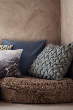 Billedresultat for beige pillow cable knit hm