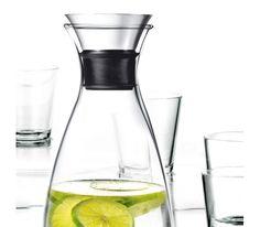 Orzeźwiająca woda z cytryną - doskonała na upalne dni. Eva Solo karafka. cytryna, cytryny, cytrusy, wakacje, lato
