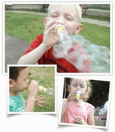Maquina de bolhas de sabão com garrafa pet