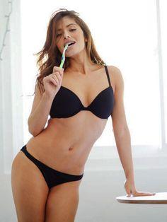 Sarah sexy photo 001