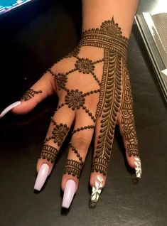 50 Most beautiful Massachusetts Mehndi Design (Massachusetts Henna Design) that you can apply on your Beautiful Hands and Body in daily life. Henna Tattoo Designs Simple, Basic Mehndi Designs, Back Hand Mehndi Designs, Latest Bridal Mehndi Designs, Legs Mehndi Design, Henna Art Designs, Stylish Mehndi Designs, Mehndi Designs For Beginners, Mehndi Designs For Girls