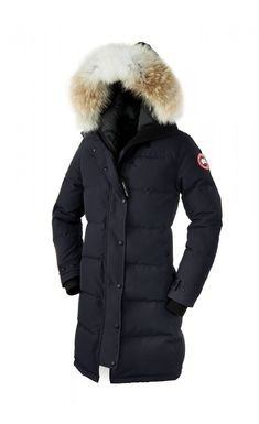 Canada Goose Ladies' Shelburne Parka - Navy With a thigh-length design and incredible insulation, the Ladies' Shelburne Parka is an impressive piece of outerwear which will keep you warm and stylish throughout the coldest winter. The parka has a resili Canada Goose Herren, Canada Goose Women, Canada Goose Jackets, Parka Canada, Canada Canada, Toronto Canada, Girl Outfits, Cute Outfits, Fashion Outfits