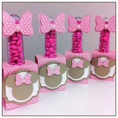 Tubetes com confeti para o niver da Maria Carolina! #amomuitotudoisso #projetominnierosa #minnie #minnierosa #tubete #temaminnie #festaminnie #festademenina #scrapfesta #mimosbyvanessa