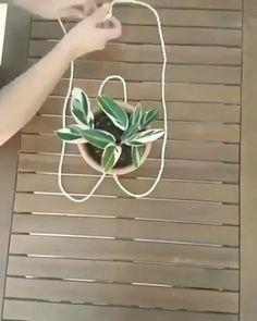 Hanging Plants Outdoor, Hanging Flower Pots, Indoor Plants, Indoor Outdoor, Hanging Plant Diy, Diy Hanging Planter Macrame, Outdoor Flower Pots, Outdoor Plant Stands, Macrame Plant Hanger Diy