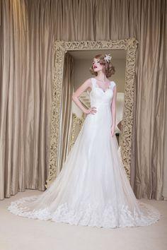 Yusupova Couture wedding dress, style Bridia