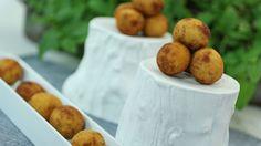 Martin Berasategui, croquetas de jamón! El chef, ganador de siete estrellas Michelín, te enseña paso a paso la receta de las croquetas de jamón ibérico que jamás le ha fallado.