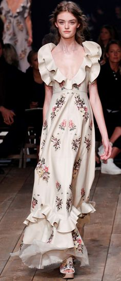 Alexander McQueen Ready To Wear Spring 2016