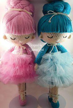 Pau and Angie Amigurumi Doll Crochet Pattern PDF by CarmenRent
