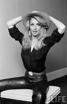 Heather Thomas (C) Tight Leather Pants, Leather Trousers, Disco Pants, Heather Thomas, Shiny Leggings, Beautiful Blouses, Celebs, Celebrities, Black Faux Leather