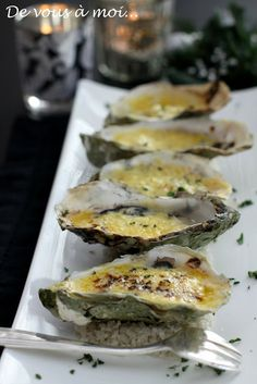 : Hot Oysters with Seaweed Butter - Healthy Christmas Recipes, Healthy Dinner Recipes, Seafood Recipes, Gourmet Recipes, Food In French, Oyster Recipes, Fish And Seafood, No Cook Meals, Healthy Drinks