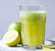 Hot Toddy, Granny Smith, Smoothie Bowl, Smoothies, Köstliche Desserts, Pint Glass, Healthy Living, Low Carb, Tableware