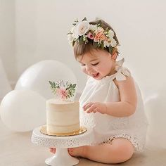 Perfect first Birthday girl photo idea!! :-)