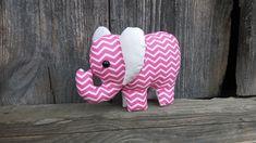 Milučké ružové sloníča na želanie 😊 Sloník ma bezpečnostné očká a šušťavé uška..