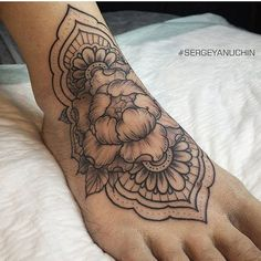 Flower henna foot tattoo #sergeyanuchin #foot #tattoo