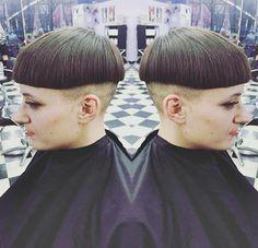 Bowled over by her new haircut:) Bowl Haircuts, Short Bob Haircuts, Page Haircut, Short Styles, Long Hair Styles, Mushroom Hair, Bowl Cut, Hair Dye Colors, Shaved Hair