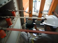 Realizar o serviço de manutenção em cabine primária com regularidade faz com que a empresa que utiliza o equipamento obtenha uma série de vantagens