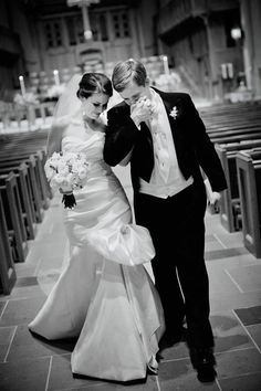 I want this picture when I come out of the church as Mrs..... one day :)