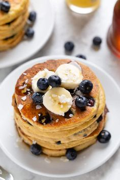 These are the BEST Blueberry Protein Pancakes ever! This easy homemade, from-scratch recipe is made with healthy ingredients like almond flour and eggs. SO fluffy and delicious - plus they're gluten-free! Great for clean eating. Atkins Breakfast, Low Calorie Breakfast, Protein Shake Recipes, Snack Recipes, Pancake Recipes, Blueberry Protein Pancakes, Protein Muffins, Healthy Lunches For Kids, Healthy Breakfasts