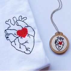 Ideas Embroidery Tshirt Sew For 2019 Embroidery Hearts, Embroidery Letters, Shirt Embroidery, Hand Embroidery Stitches, Embroidery Patches, Embroidery Hoop Art, Hand Embroidery Designs, Cross Stitch Embroidery, Machine Embroidery