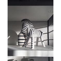 Z E B R A  Light shadow and some dust. . . . . #blackandwhite #zebra #lightshadow #thatsdarling #thehappynow #pursuepretty #wandeleurspark #makeyousmilestyle #abmlifeissweet #abmathome #berlinblogger #flashesofdelight #petitejoys #livethelittlethings #foundforaged #theblogissue #finditliveit #prettylittlething #interieurs #design #interior #interiordesign #interiorblog #danishdesign #furniture #germaninteriorbloggers #deco #schoenerwohnen #living #wohnen