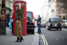 Galeria de Fotos Para todos os gostos: looks clássicos e ousados no street style de Londres // Foto 6 // Notícias // FFW