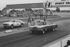 "Vintage Drag Racing - Classic drag race - Bill ""Grumpy"" Jenkins vs Sox & Martin"