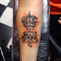 Dutch crowns watercolor tattoo