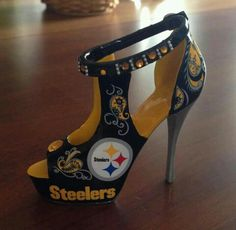 I am the biggest Steelers fan. My game day outfit will now be complete.