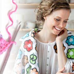 Virkkaa silmukoita, katso video | Kodin Kuvalehti Women, Fashion, Moda, Fashion Styles, Fashion Illustrations, Woman