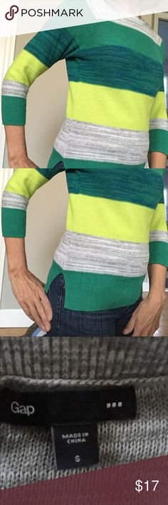 🏈 Striped Gap sweater Striped crew neck sweater from The Gap. Size small.. GAP Sweaters Crew & Scoop Necks