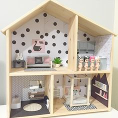 DIY doll house by using a shoebox - There are different methods of making doll houses using different material. The easiest is to make a DIY doll house by using shoebox. These doll house. Kids Doll House, Doll House Plans, Ikea Dollhouse, Modern Dollhouse, Victorian Dollhouse, Dollhouse Bookcase, Dollhouse Ideas, Doll Furniture, Dollhouse Furniture