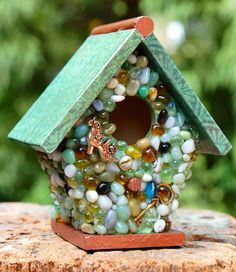 Miniature Green Pebble and Copper Edge Birdhouse von TheVelvetRobyn, $18.00