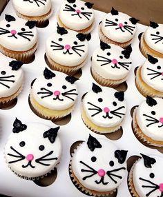 Cat/kitten cupcakes - The Best Cat Party Ideas Birthday Cake For Cat, Birthday Cupcakes, Birthday Fun, Birthday Kitty, Cat Birthday Parties, Birthday Ideas, Cupcakes Chat, Cupcake Cakes, Kitten Party