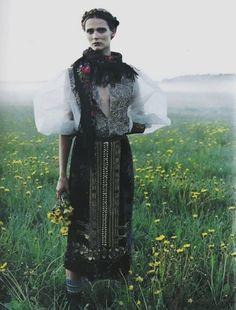 My Bohemian Style  moldavia:    Carmen Kass in Vogue Nippon October 2005 by Yelena Yemchuk