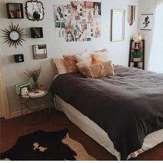 ❥Pinterest//Megsxoxo10 LOVING THIS GORGEOUS, CHARACTERFUL & ECLECTIC BEDROOM, FILLED WITH 'SOUL' & REFLECTED IN THE CHOICE OF DECOR & UNUSUAL COLOUR COMBO! ⚜