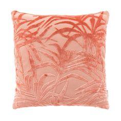 Zuiver Miami Sierkussen 45 x 45 cm - WordPress Sitesi Pink Cushions, Printed Cushions, Miami, Velvet Pillows, Throw Pillows, Pink Leaves, Tropical, Geometric Rug, E Design