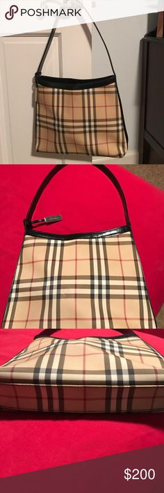 Burberry purse Classic Burberry pattern purse. Single shoulder strap,metal Burberry tag; snap closure and single pocket inside. Authentic Burberry Bags Shoulder Bags