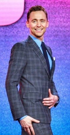 Tom Hiddleston News (@TomHiddlesNews) | Twitter