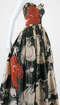 This is stunning!  Lanvin 1938 I would love to own this gown! Women's vintage cocktail fashion history