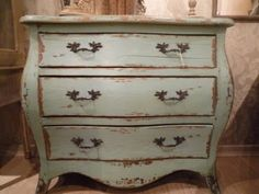 Shabby Chic Distressed Salvage Chic Ideas & Inspiration | I Heart Shabby Chic