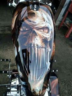 Discover amazing things and connect with passionate people. Airbrush Designs, Airbrush Art, Motos Harley Davidson, Davidson Bike, Air Brush Painting, Car Painting, Skull Painting, Custom Motorcycle Paint Jobs, Custom Tanks